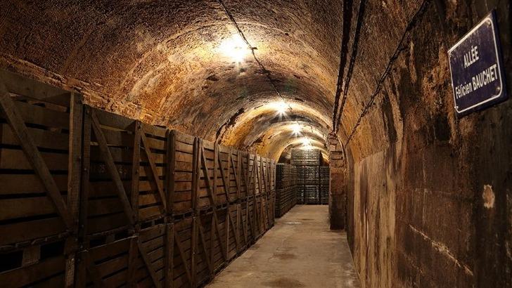 caves-creusees-a-8-metres-de-profondeur