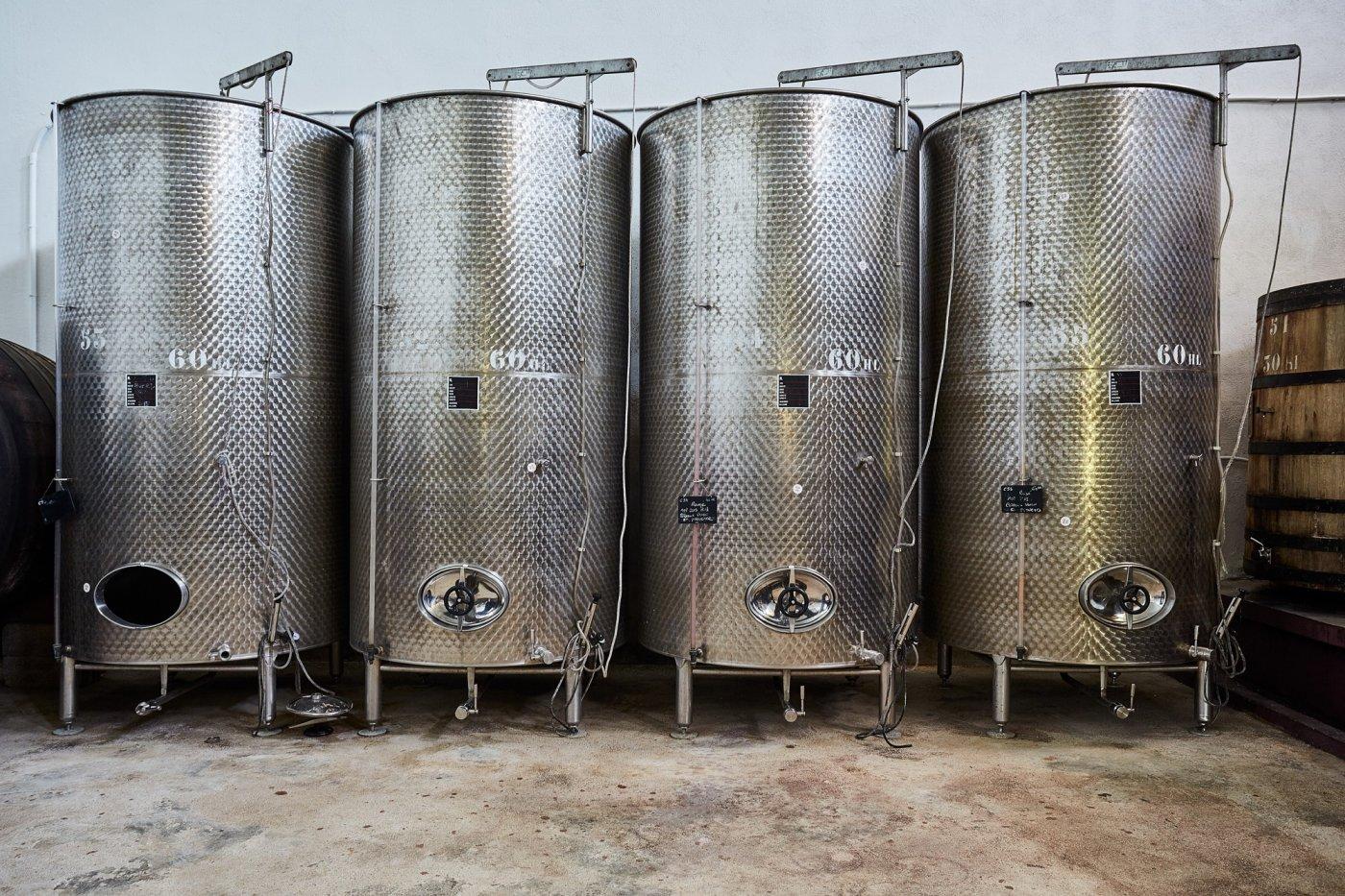 domaine-du-loou-materiel-de-vinification