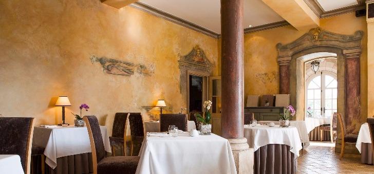 restaurant-fresques-au-chateau-des-vigiers-a-monestier-dordogne