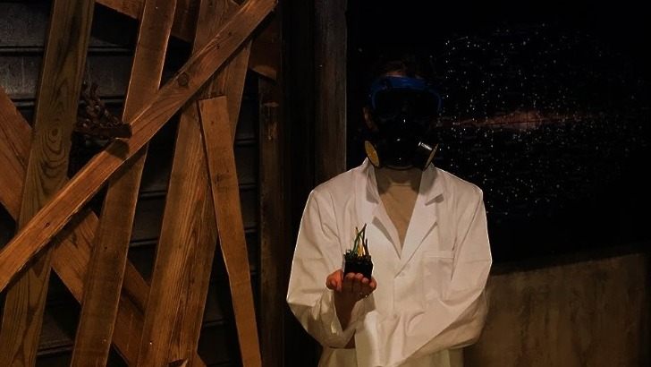 dans-escape-game-docteur-windar-a-travaille-sur-physique-quantique-et-regeneration-cellulaire-a-trouve-une-formule-pour-permettre-vie-eternelle-resultats-sont-convoites-par-des-mercenaires-des-laboratoires-pharmaceutiques