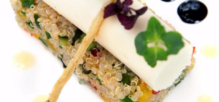 restaurant-du-chateau-de-tour-a-beguey-cuisine-gastronomique-francaise-etoilee-une-assiette-au-michelin-taboule-quinoa