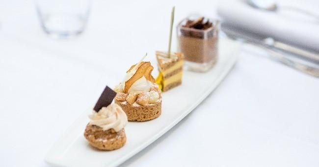 assise-cafe-un-des-desserts-a-carte-du-restaurant-assise-situe-a-nantes