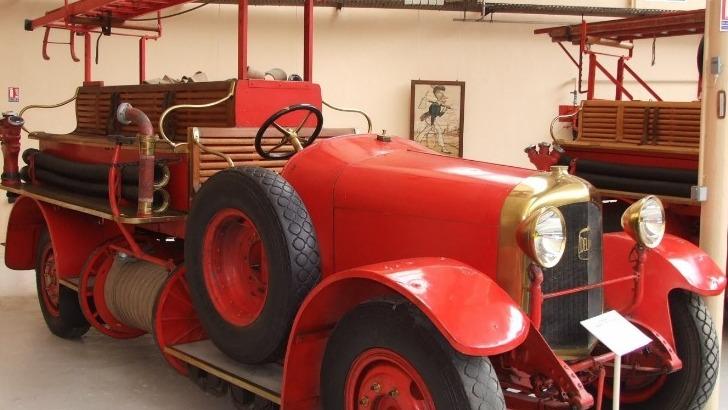 autopompe-delahaye-type-83-59ap-avec-pompe-centrifuge-et-12-places-assises-mise-service-1929