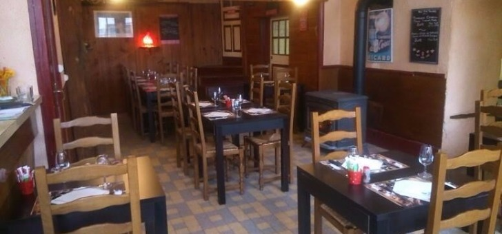 salle-a-manger-ambiance-decor-du-restaurant-rabutin-a-bussy-grand