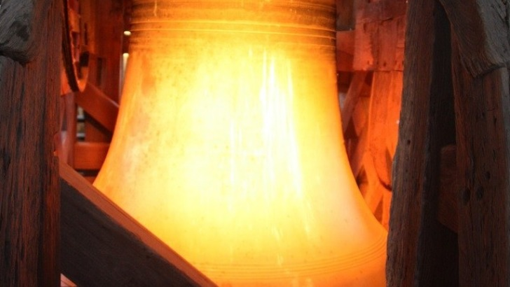 museographie-hotel-de-ville-cloche-carillon