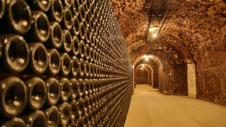 champagne-charles-ellner-a-epernay-cave-historique-datee-du-19e-siecle
