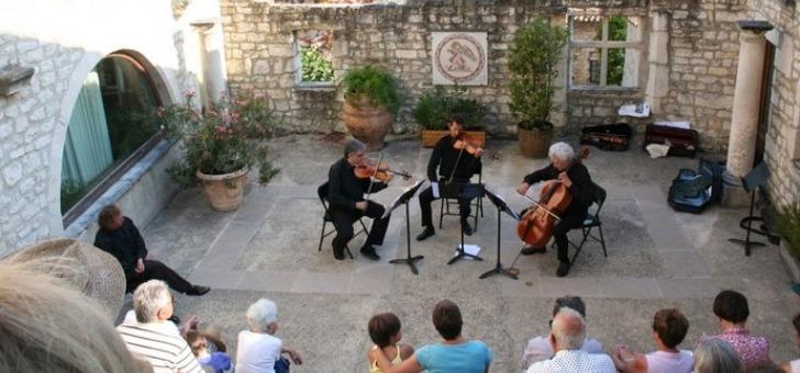 pays-de-dieulefit-bourdeaux-concert-dans-amphitheatre-du-centre-d-art-yvon-morin-au-poet-laval