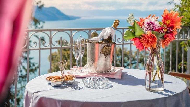 restaurant-victoria-a-glion-vue-externe-sur-un-prestigueux-panorama
