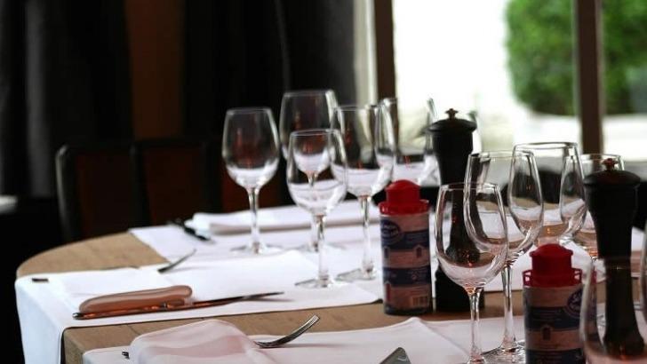 brasserie-de-patinoire-a-bruxelles-une-cuisine-savoureuse-accompagnee-d-un-bon-vin