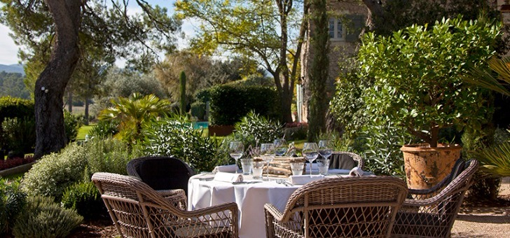 terrasse-restaurant-potager-du-mas-orgon