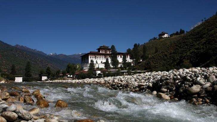 exquisite-bhutan-une-mosaique-de-paysages-partages-entre-montagnes-lacs-et-forets
