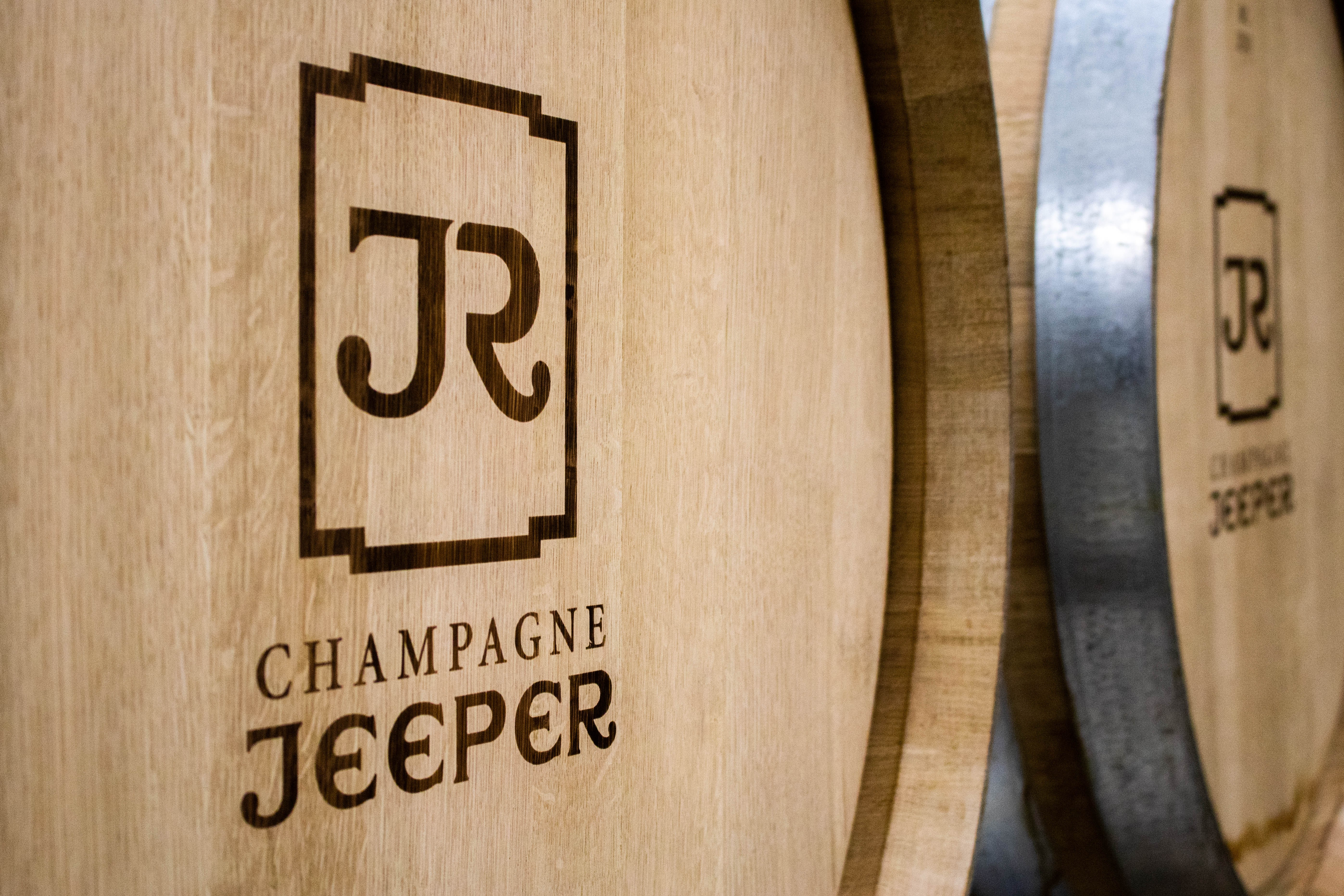 image-prop-contact-champagne-jeeper