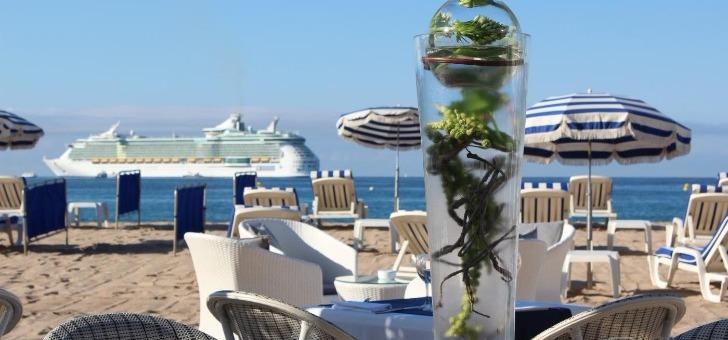 restaurant-plage-royale-a-cannes-gastronomie-detente-soleil-et-mer-sont-au-rendez