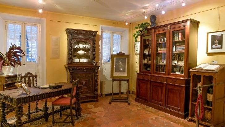 bureau-d-escoffier-visible-au-musee-escoffier-de-art-culinaire