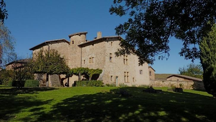 chateau-de-pravins-ensemble-du-domaine-vue-du-sud-est