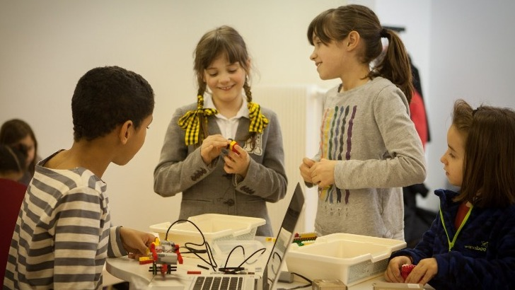 magic-makers-a-paris-programmation-simplifiee-echange-entre-enfants