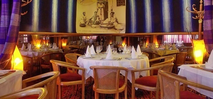 image-prop-contact-restaurant-le-caroubier