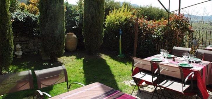 restaurant-treille-muscate-a-cliousclat-jardin-terrasse
