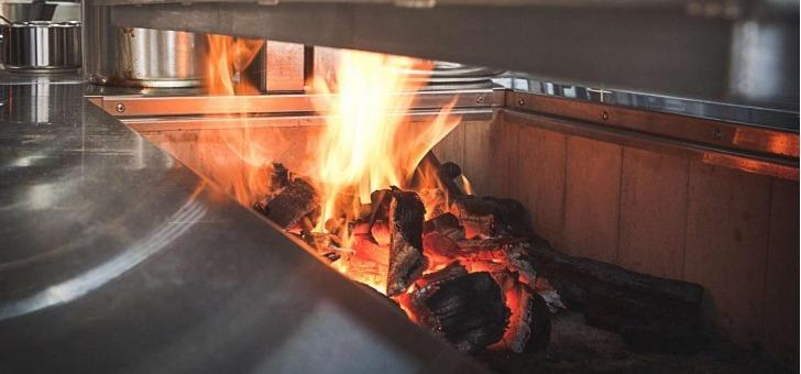 chez-philippe-toutes-nos-viandes-sont-grillees-au-charbon-de-bois-de-hetre