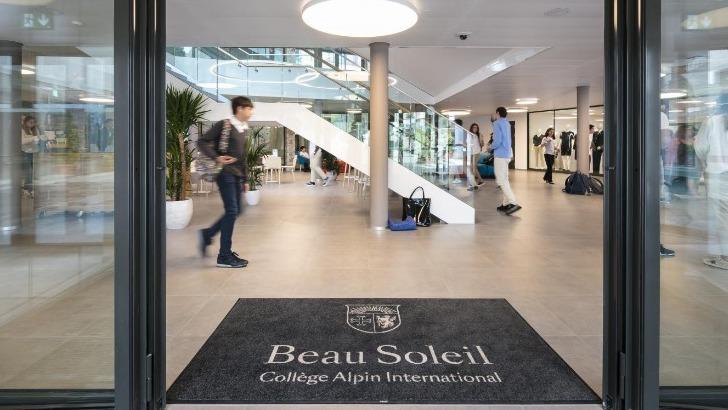 college-alpin-beau-soleil-a-villars-sur-ollon-education-scolaire-pension-complete-entrez-dans-un-endroit-unique