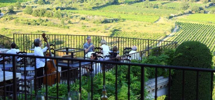 restaurant-jerome-blanchet-a-crillon-brave-terrasse-saveurs-de-provence