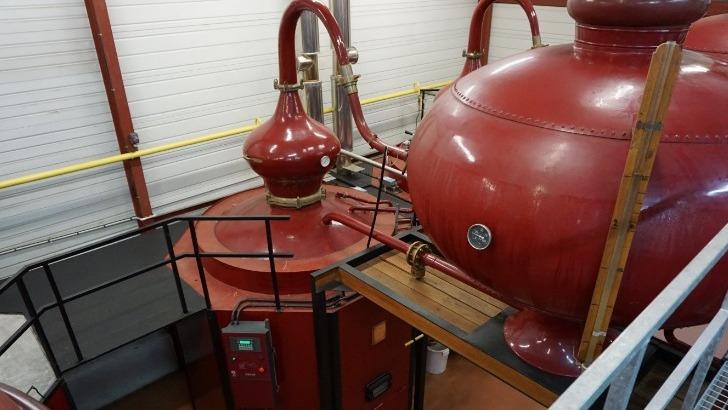 celebre-alambique-charentais-pour-distiller-cognac