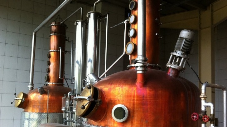distillerie-massenez-a-dieffenbach-au-val-concoit-ses-elixirs-dans-plus-grand-soin
