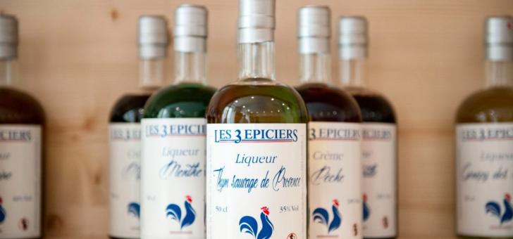 3-epiciers-a-lourmarin-epicerie-fine-chocolaterie-et-brasserie