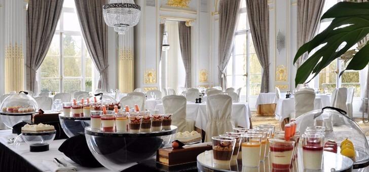 salon-clemenceau-au-restaurant-du-trianon-palace-a-versailles