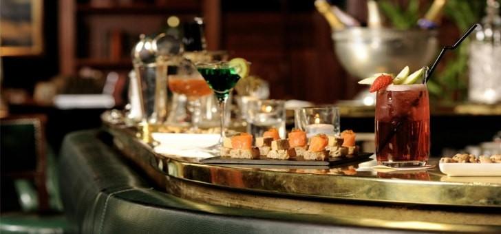 le-bar-du-restaurant-le-celadon-a-paris-rue-de-la-paix-a-paris-02