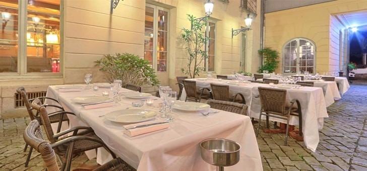 restaurant-pavillon-colbert-a-versailles-cuisine-traditionnelle-francaise-specialite-de-poissons-et-fruits-de-mer