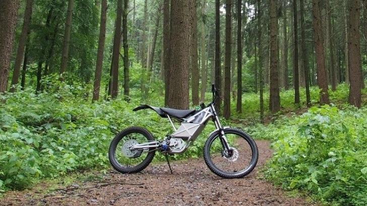 une-vrai-moto-une-moto-electrique