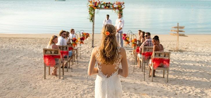 marier-pieds-dans-sable