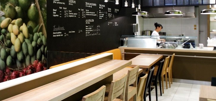 restaurant-batbat-une-cuisine-ouverte-preparations-offrent-aux-yeux-des-convives