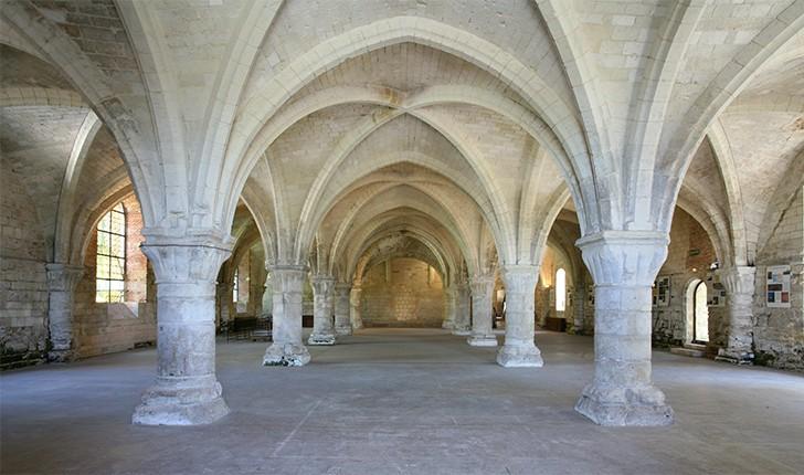 salle-des-moines-abbaye-de-vaucelles
