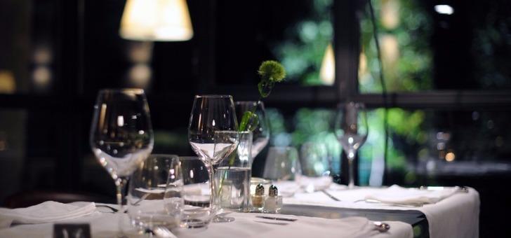 restaurant-petit-jardin-a-montpellier-etablissement-de-qualite-classe-deux-fourchettes-au-guide-michelin
