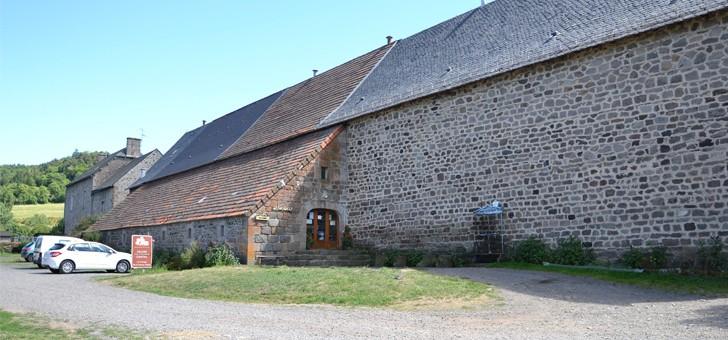 ferme-grange-de-haute-vallee-a-albepierre-bredons-visites-ateliers-de-fromage-degustation-et-vente-directe-au-rendez