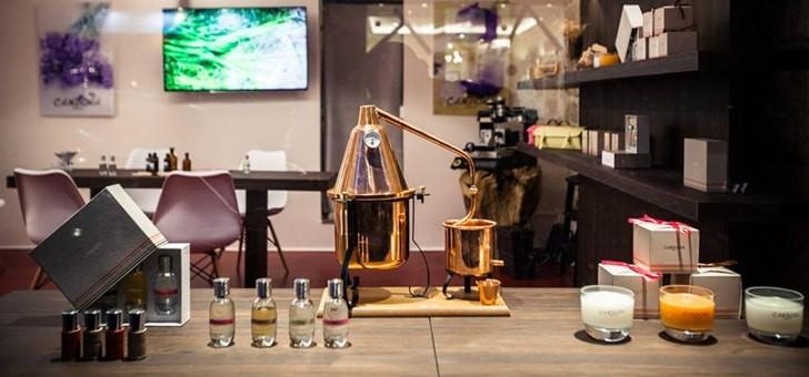 avec-ateliers-des-parfums-candora-elaborez-parfum-adapte-a-votre-personnalite