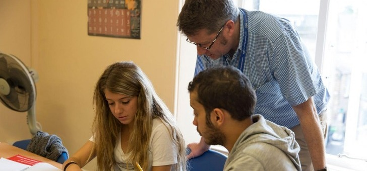 oliver-twist-work-study-programmes-scolaires