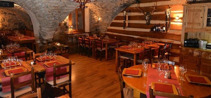 cuisine-et-specialite-de-montagne-pour-restaurant-caribou-situe-station-de-ski-serre-chevalier-monetier-bains