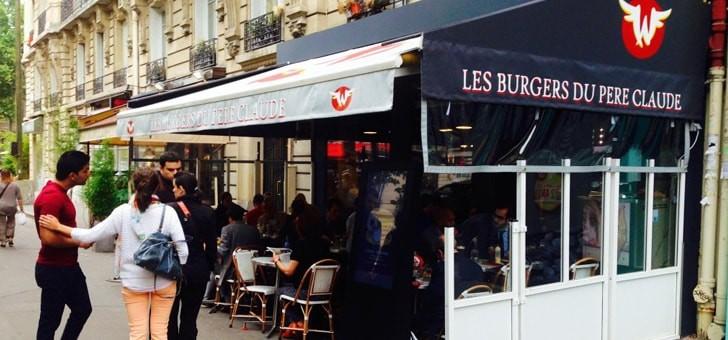 terrasse-du-restaurant-wagy-burgers-du-pere-claude-a-paris-rendez-incontournable-des-amateurs-de-vrais-burgers