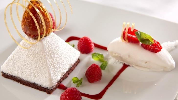 parfait-a-noix-de-coco-et-fruits-rouges-restaurant-jardins-de-medina