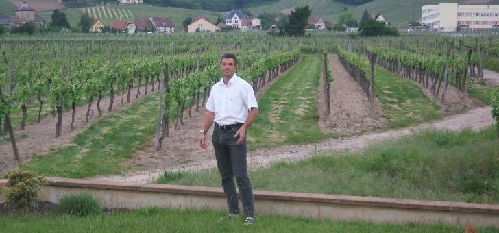 a-tete-de-entreprise-familiale-depuis-1999-yves-stempfer-considere-vin-est-un-produit-de-convivialite-et-un-moment-de-plaisir
