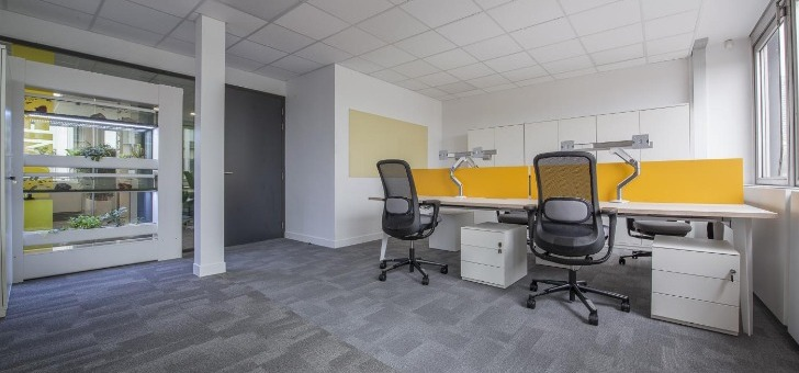 design-sobre-et-elegant-permet-de-integrer-facilement-a-espace-de-travail