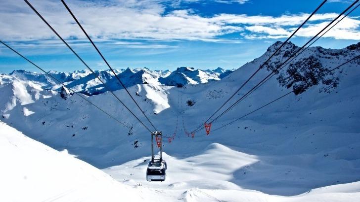 snowtrex-est-une-filiale-de-traveltrex-un-tour-operateur-specialise-dans-sejours-au-ski