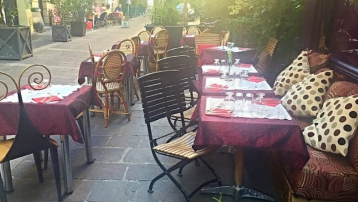 restaurant-merveilles-du-maroc-a-paris-une-grande-et-belle-terrasse-pour-une-pause-gourmande