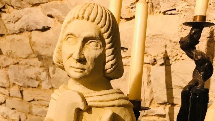 sculpture-de-saint-vincent-en-pierre