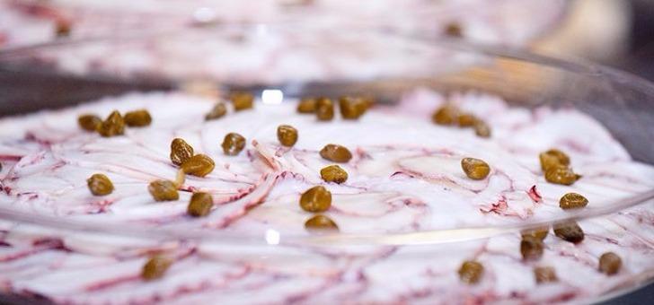 restaurant-grange-aux-dimes-a-wissous-des-desserts-fait-maison-avec-poire-pochee-creme-a-cannelle-siphon-vanille-bien-tatin-bio-revisitee-sorbet-et-gelee-de-pommes