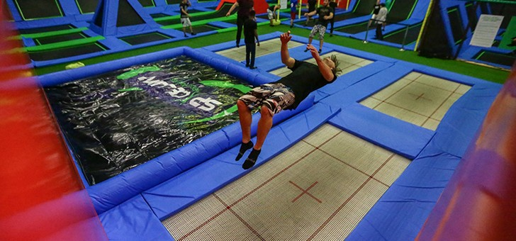 space-jump-a-fleury-merogis-divertissement-sur-trampolines