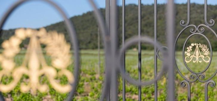 chateau-de-aumerade-a-pierrefeu-du-var-un-vignoble-aux-400-ans-d-histoire